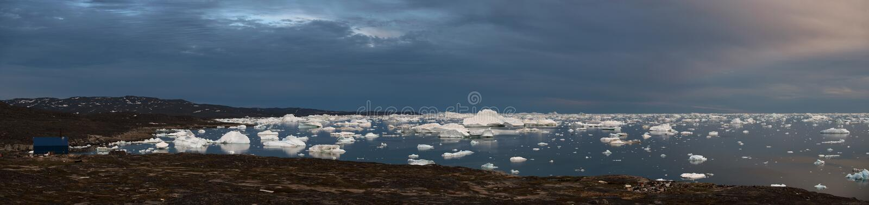 Rodebaypanorama West-Groenland Zonsondergang royalty-vrije stock afbeelding