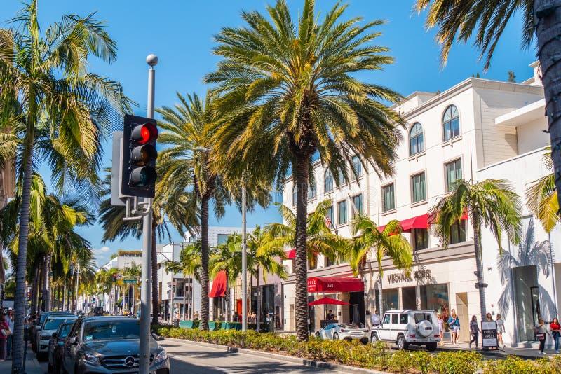 Rodeo Drive Beverly Hills - KALIFORNIEN, USA - MARS 18, 2019 fotografering för bildbyråer