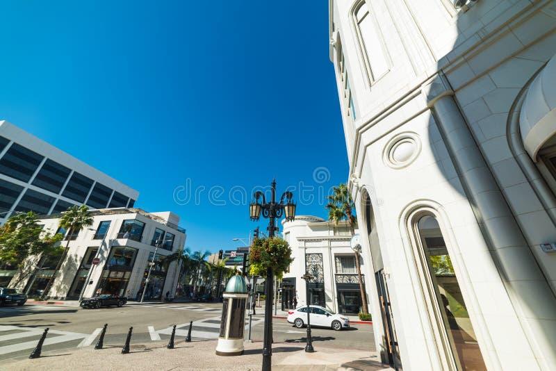 Rodeodrev och Dayton vägtvärgata i Beverly Hills arkivbilder