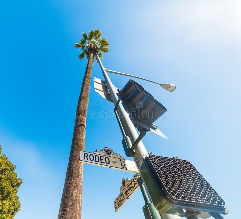 Rodeodrevvägmärke i Beverly Hills arkivfoto