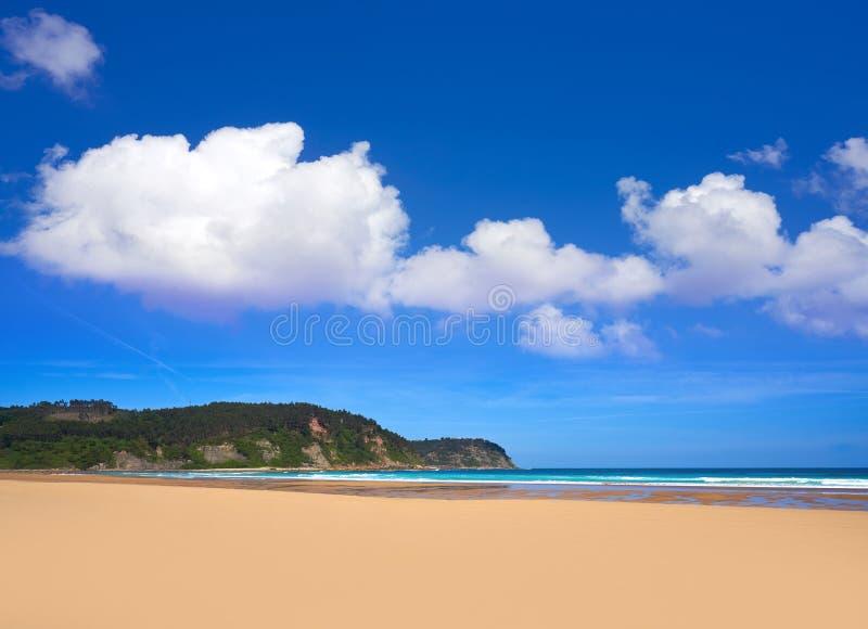 Rodiles strand i Asturias av Spanien royaltyfria foton