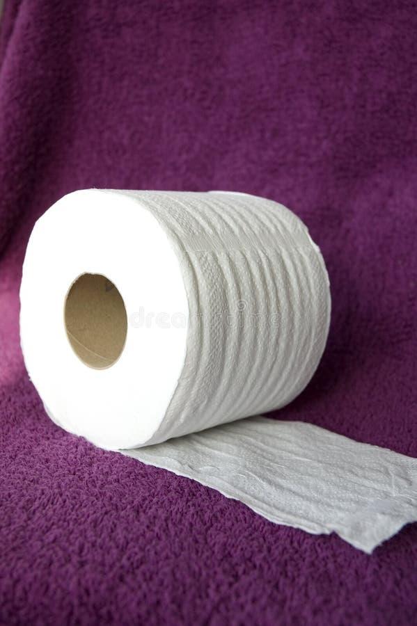 Rodillo del tejido en la toalla imagen de archivo