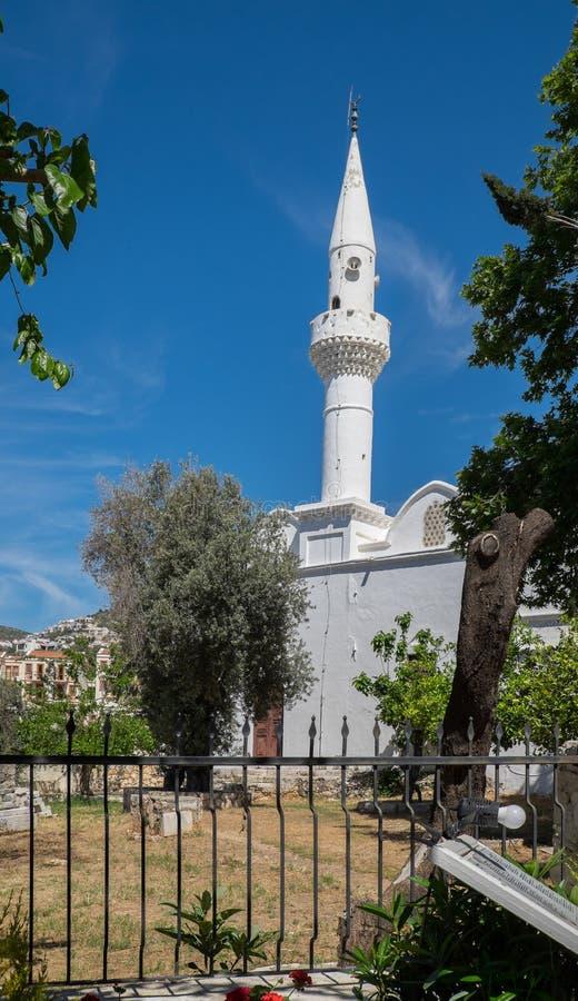 Download Środkowy meczet w Kalkan obraz stock. Obraz złożonej z minarety - 53792203