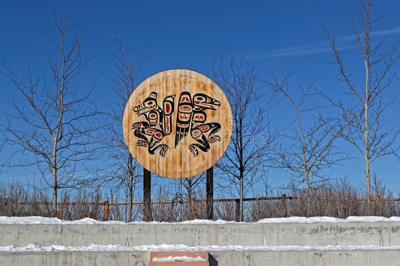 Rodowitych Amerykan symbole wzdłuż Yukon brzeg rzekich zdjęcia stock