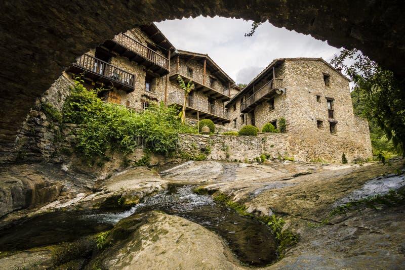 Rodzi średniowieczną wioskę, Hiszpania obrazy stock