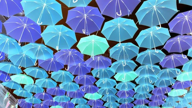 Rodzina kolorowi parasole fotografia stock