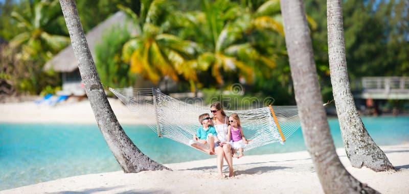 Rodzina na plaża wakacje fotografia stock