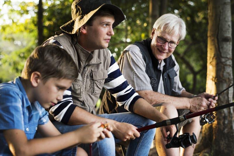 Rodzina na połów wycieczce zdjęcie stock
