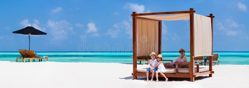 Rodzina na wakacje zdjęcia royalty free