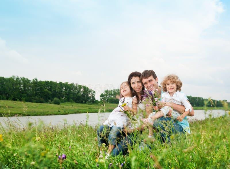Rodzina outdoors obrazy royalty free