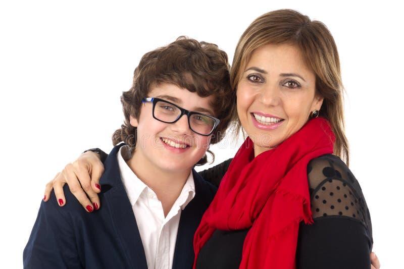 Rodzina strzał matki i syna przytulenie fotografia royalty free