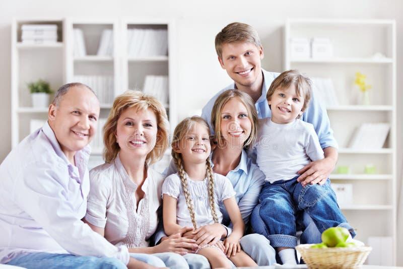 Rodzina w domu zdjęcia stock