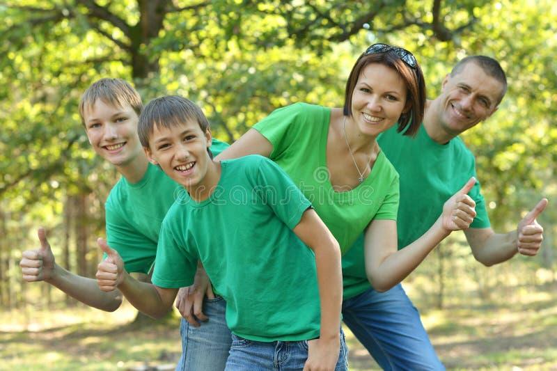 Rodzina w jesień parku zdjęcia royalty free