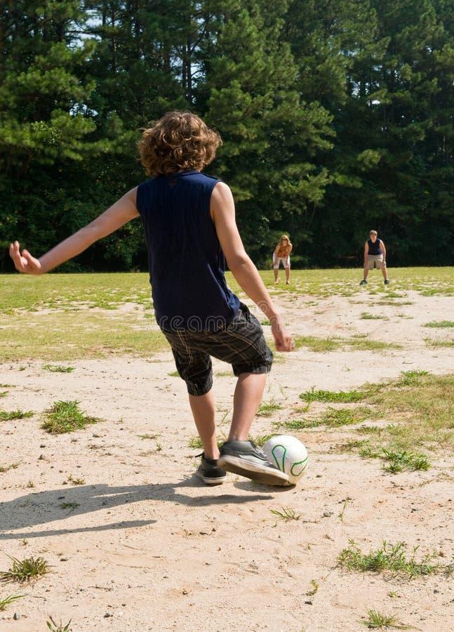 rodzinna gemowa piłka nożna obrazy stock