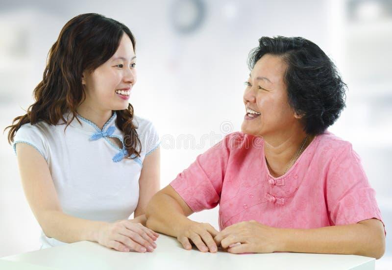 Rodzinna rozmowa zdjęcia stock