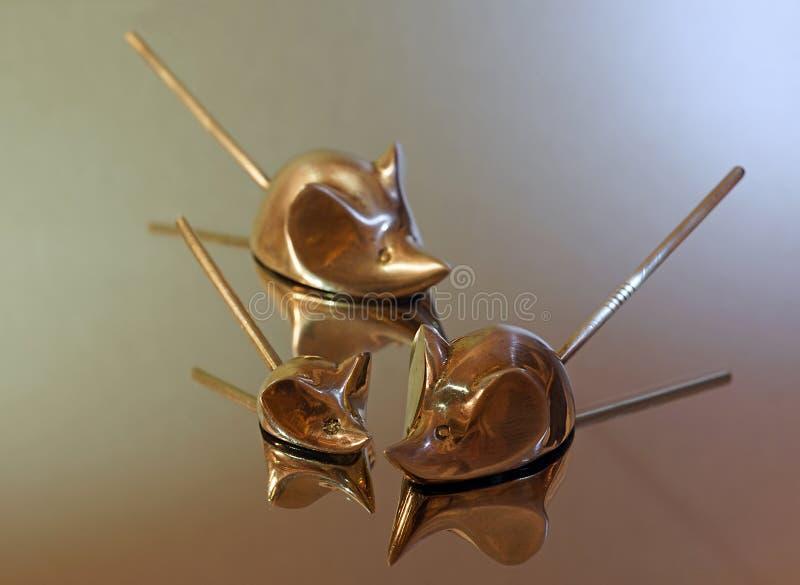 Rodzinne myszy dekoracje Materialny mosiądz zdjęcie royalty free