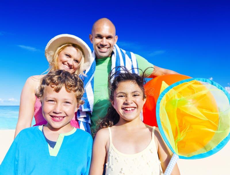 Rodzinnego wakacje lata Dennej podróży szczęścia pojęcie obrazy royalty free