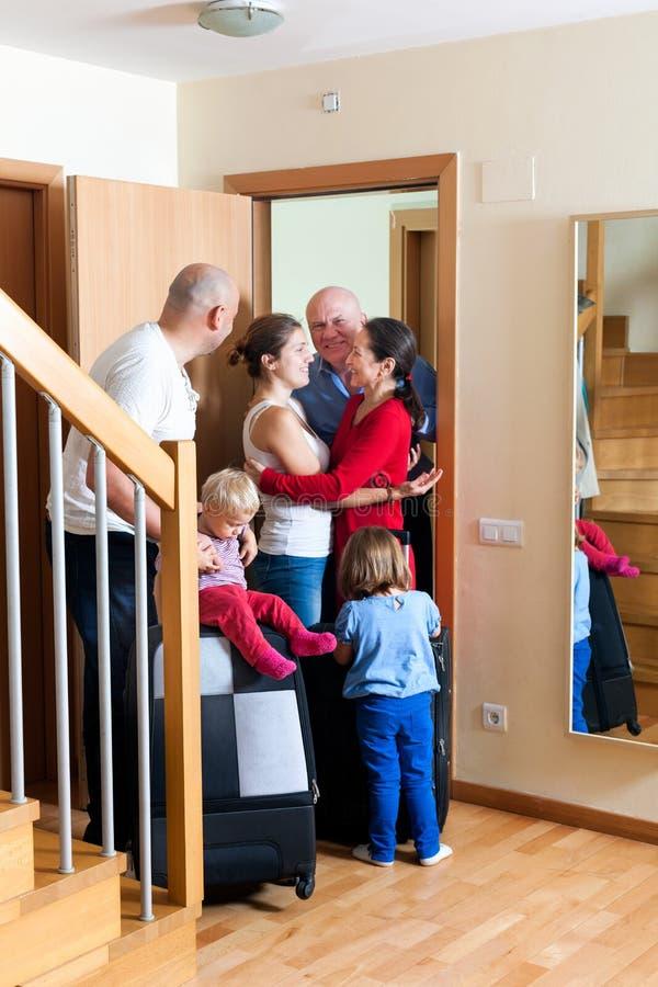 Rodzinni spotkanie krewni fotografia royalty free