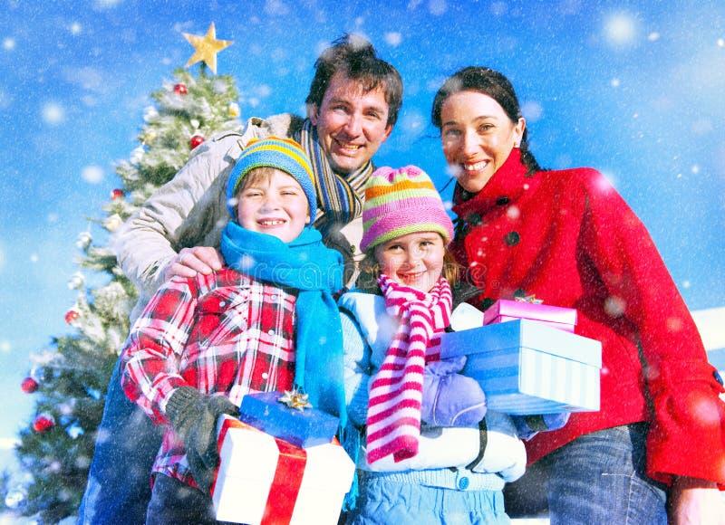 Rodzinny Bożenarodzeniowy świętowanie wakacje szczęścia pojęcie obraz stock