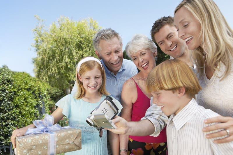 Rodzinny dopatrywania wideo Wpólnie obraz stock