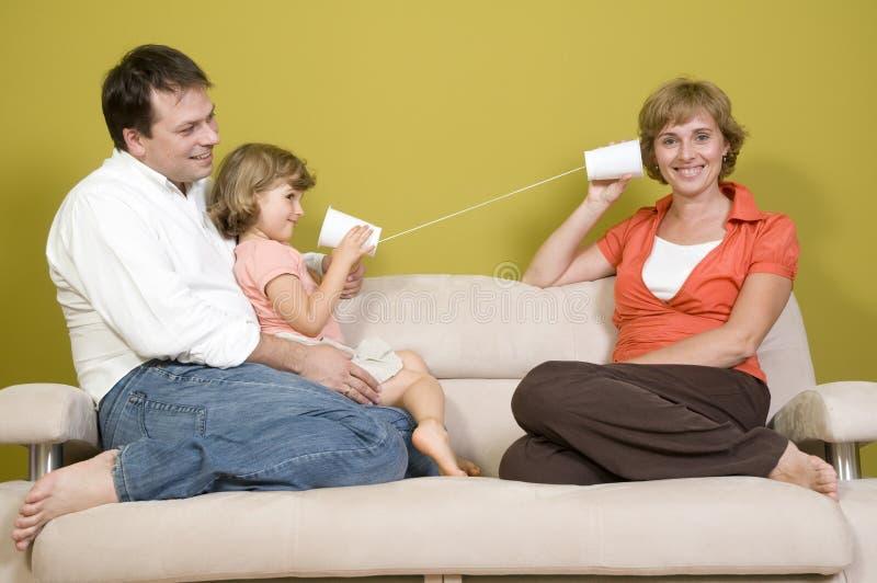 rodzinny kubka telefonu bawić się obrazy stock