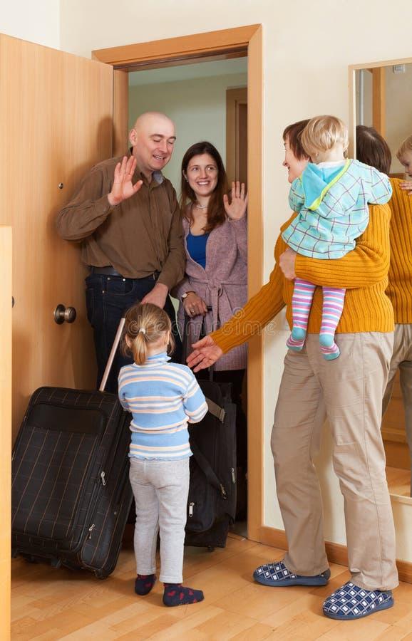 Rodzinny przybycie babcia dom zdjęcia royalty free