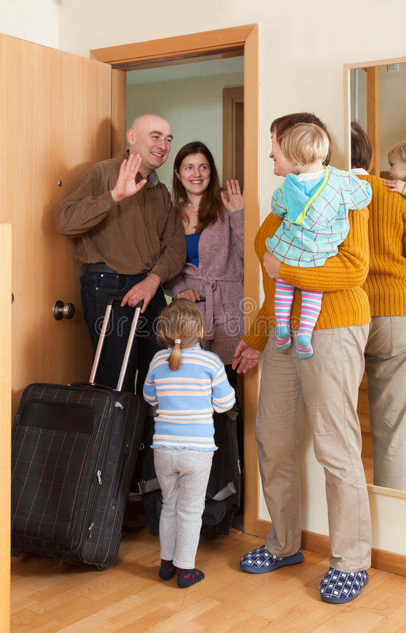 Rodzinny przybycie babcia dom obraz stock