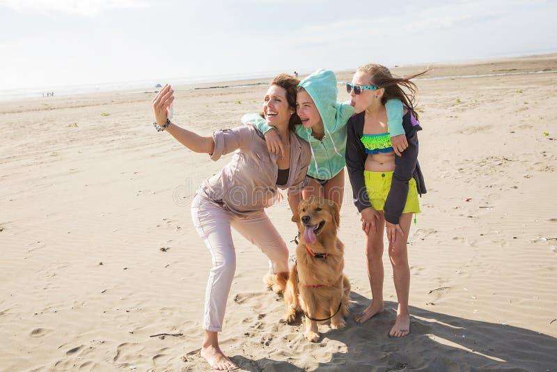 Rodzinny selfie przy plażą obraz royalty free