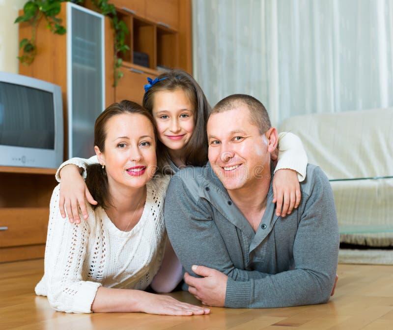 rodzinny szczęśliwy dom trzy obraz royalty free