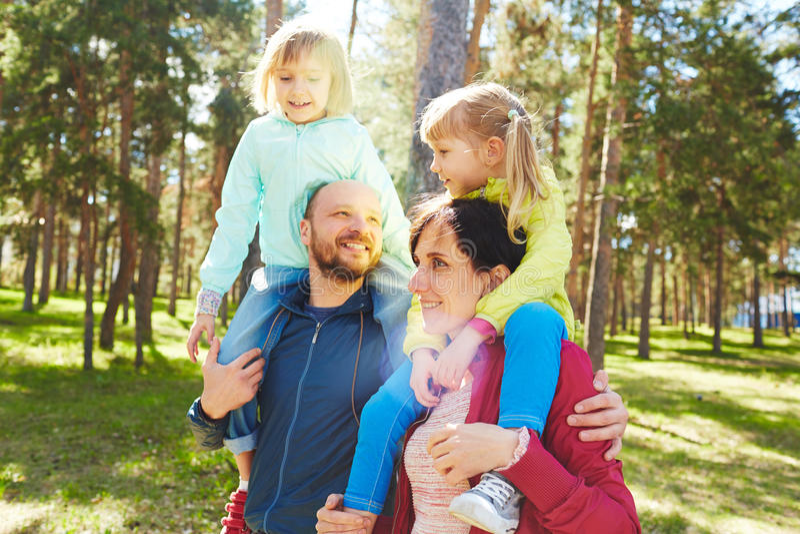 Rodzinny weekend w parku obrazy royalty free