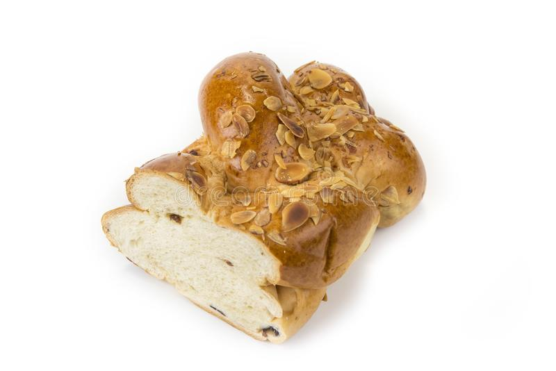 Rodzynki i dokrętka chleb na białym tle fotografia royalty free