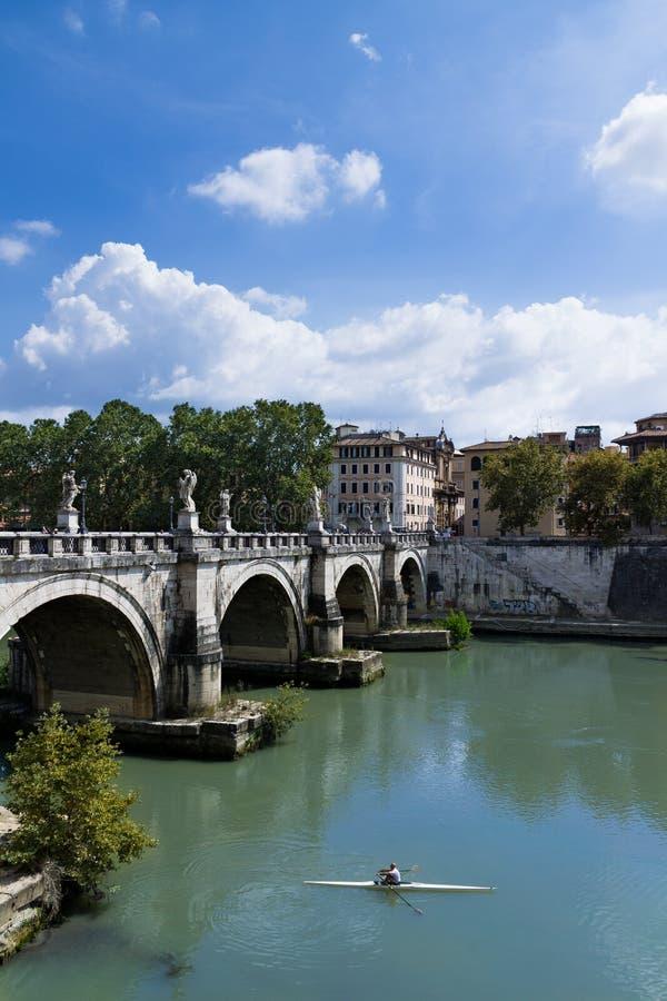 Roeier in Tiber-Rivier royalty-vrije stock afbeelding