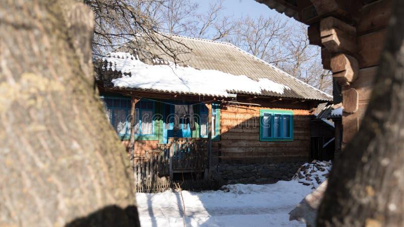 Roemeens traditioneel huis van Maramures-provincie stock fotografie