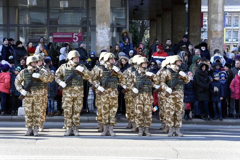 Roemeense militairen bij de Militaire parade royalty-vrije stock foto's