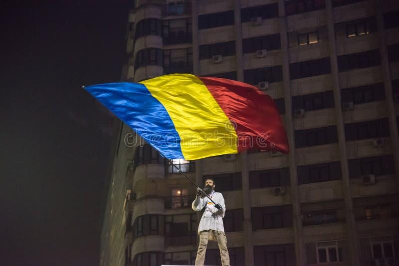 Roemenen protesteren tegen overheid stock foto