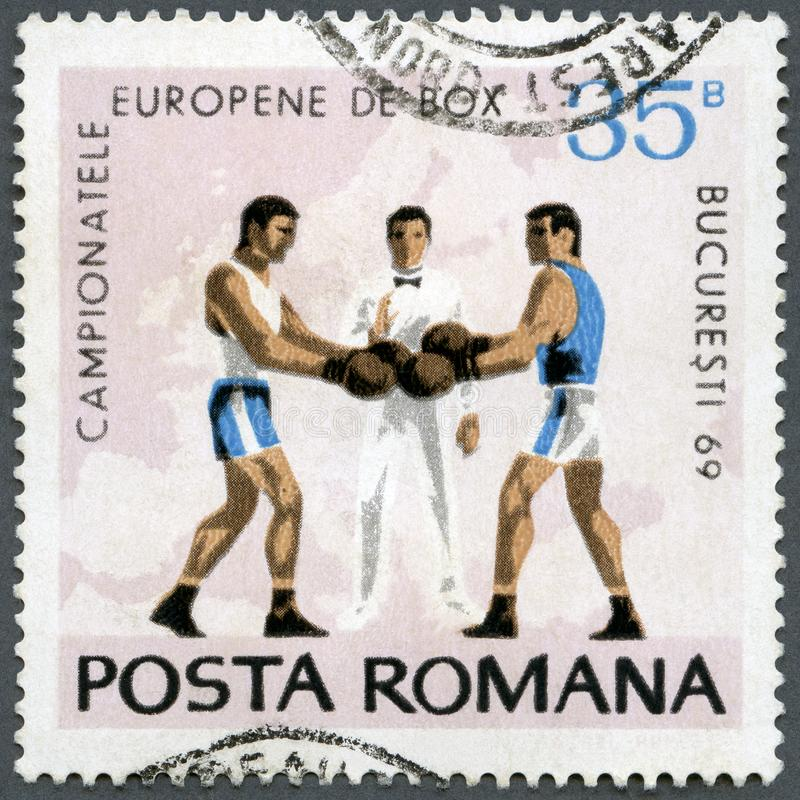 ROEMENIË - 1969: toont Boksers, Scheidsrechter en Kaart van Europa, reeks Europese het In dozen doen Kampioenschappen Boekarest,  royalty-vrije stock afbeeldingen