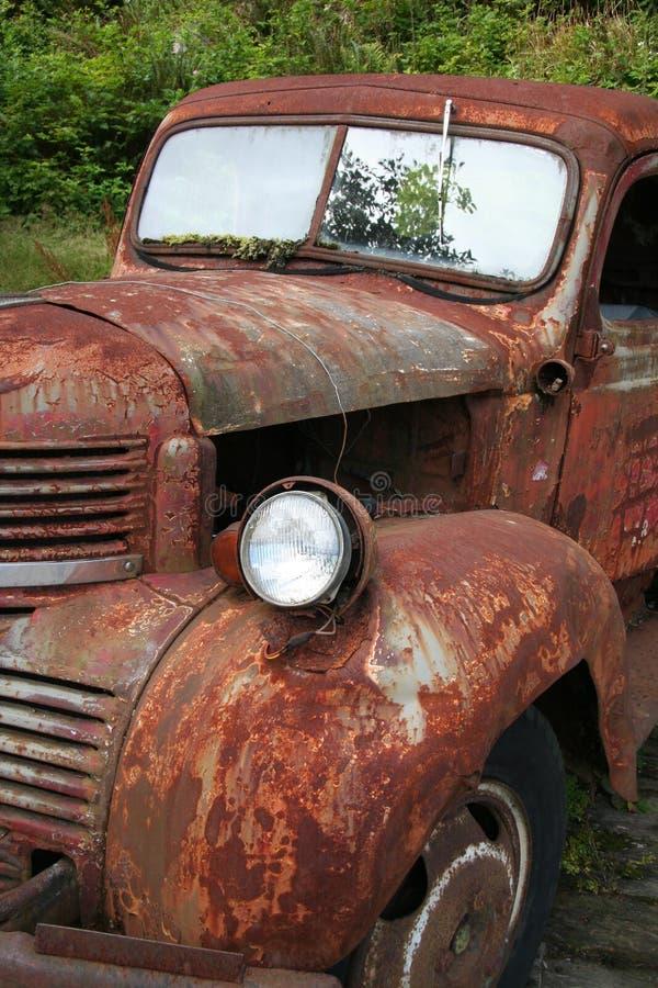 Roestige auto royalty-vrije stock afbeelding