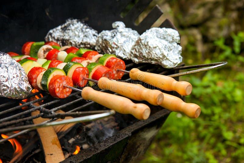 Roestige grill royalty-vrije stock afbeeldingen