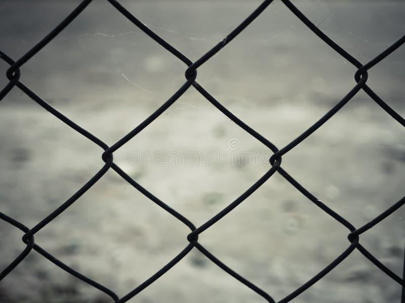 Roestige het netwerkomheining van de staaldraad stock afbeelding