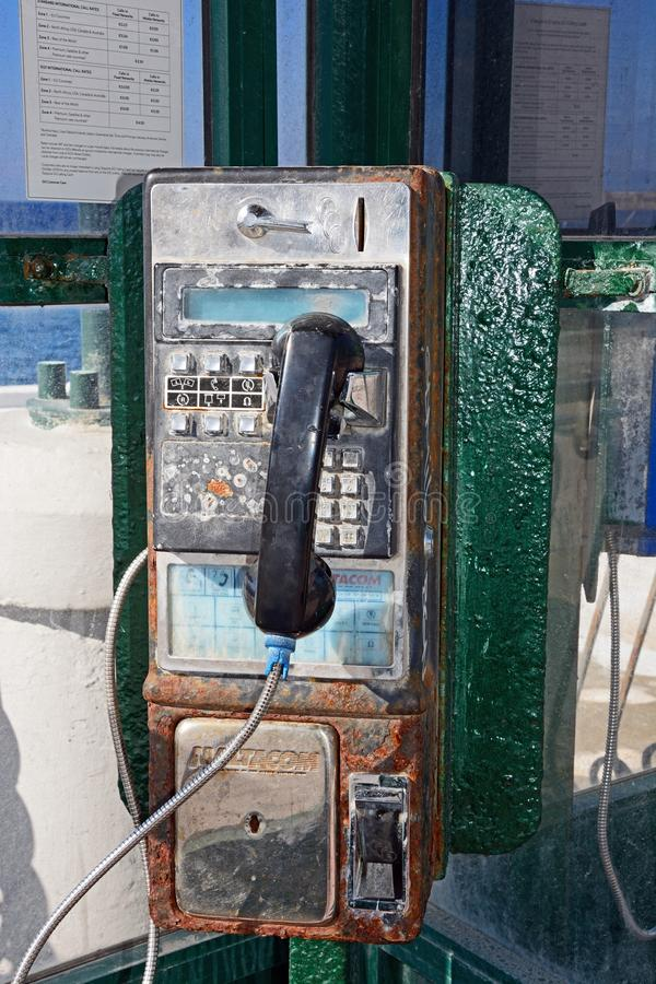 Roestige openbare publieke telefooncel, Malta royalty-vrije stock fotografie