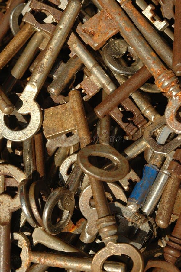 Roestige Oude Sleutels royalty-vrije stock afbeeldingen
