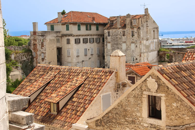 Rofftops i den gamla staden split croatia royaltyfri bild