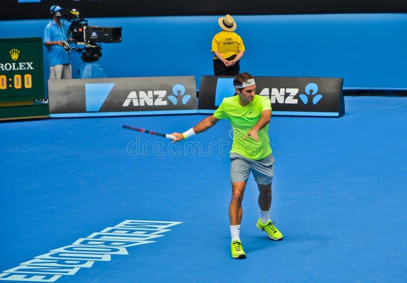 Roger Federer jouant dans l'open d'Australie photographie stock