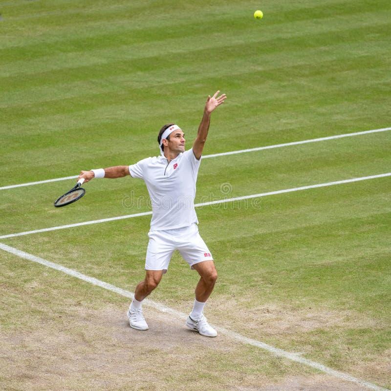 Roger Federerl på Wimbledon royaltyfria bilder
