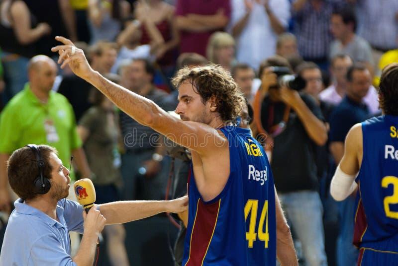 Roger Grimau gioca la squadra di pallacanestro di TAU Vitoria dei againts fotografia stock libera da diritti