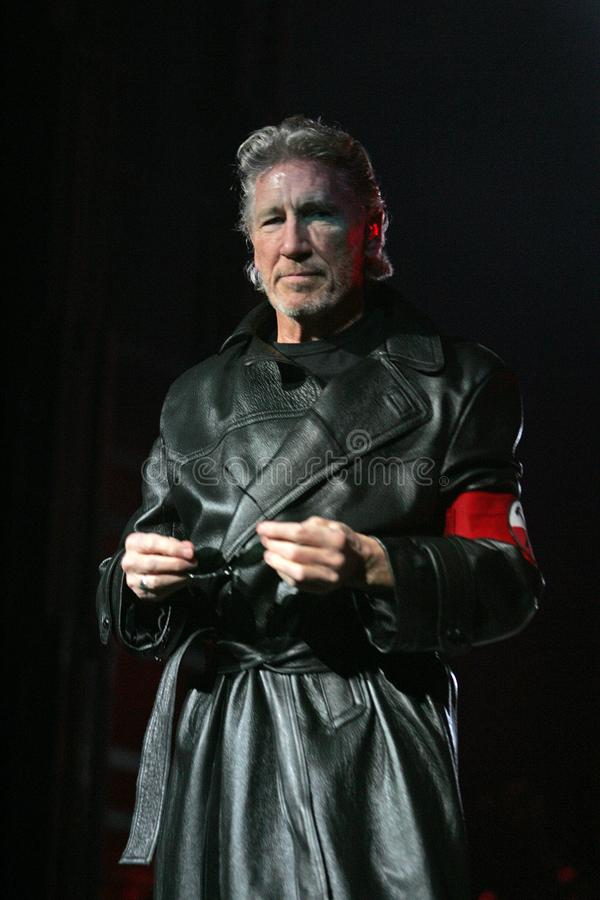 Roger Waters exécute de concert images stock