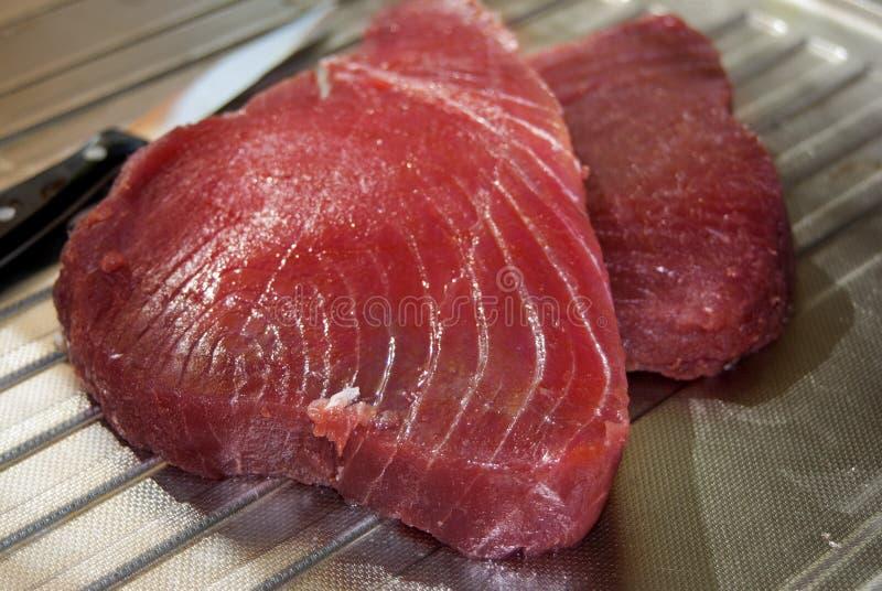Rohe Leiste des Thunfischs lizenzfreie stockfotos
