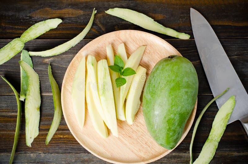 Rohe Mangofrucht stockbild