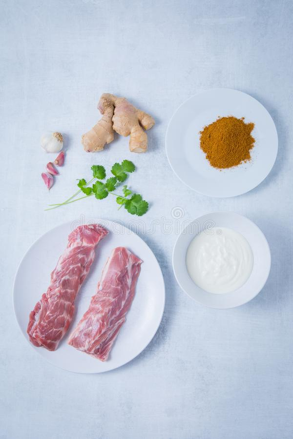 Roher Hals beint Gewürz-Jogurt aus lizenzfreies stockbild