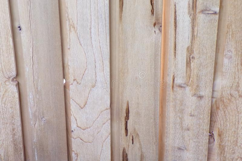 Roher Kiefer-Holz-Zaun stockfotografie